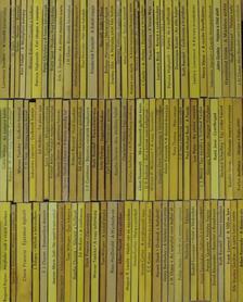 """Adam Kennedy - """"100 kötet az Albatrosz könyvek sorozatból (nem teljes sorozat)"""" [antikvár]"""