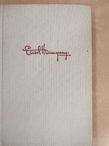 Ernest Hemingway - Über den fluss und in die wälder [antikvár]