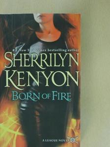 Sherrilyn Kenyon - Born on Fire [antikvár]