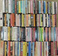 """Alexandra Ripley - """"200 kötet a női lektűr témaköréből"""" [antikvár]"""