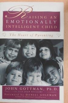 Joan Declaire - Raising an emotionally intelligent child [antikvár]