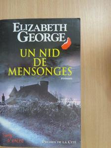 Elizabeth George - Un nid de Mensonges [antikvár]