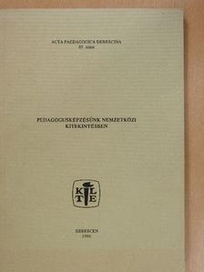 Boros Dezső - Pedagógusképzésünk nemzetközi kitekintésben [antikvár]